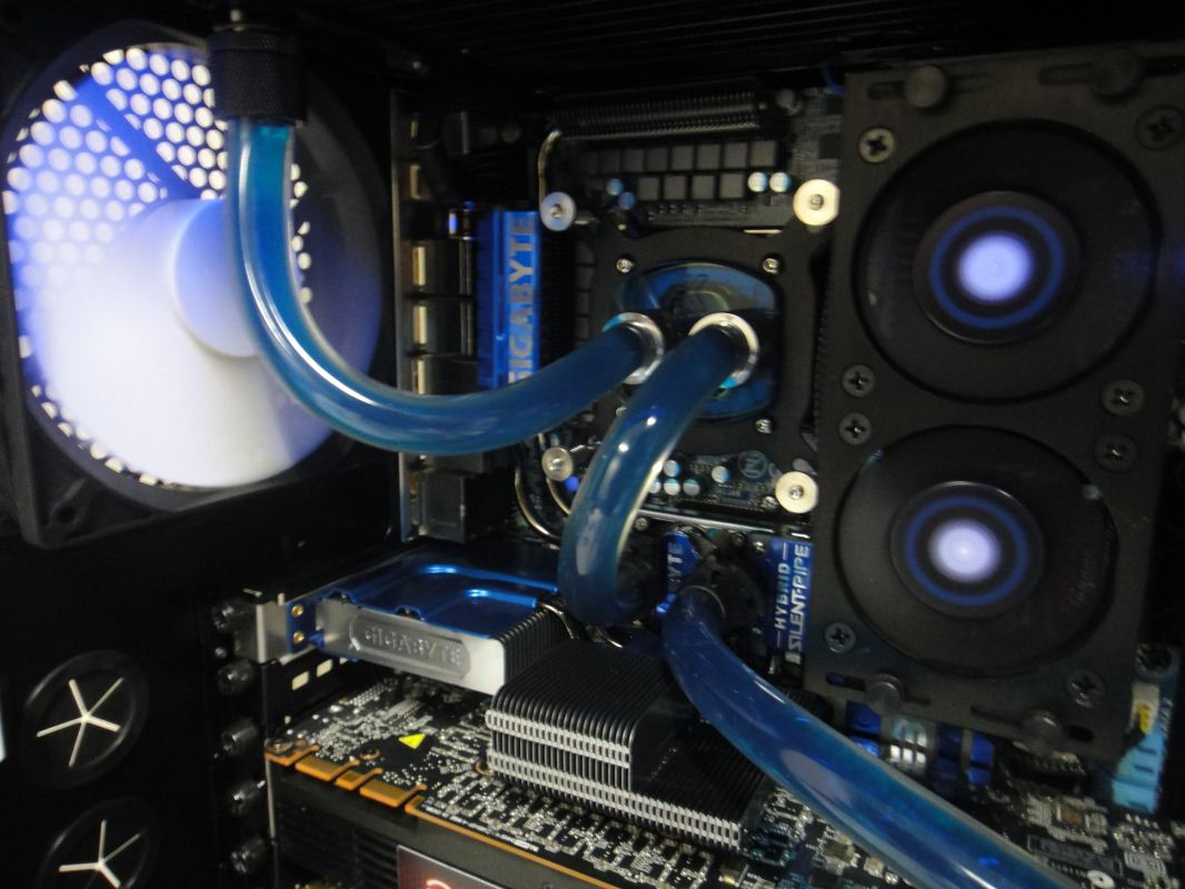 Building A Custom Water Cooled Gaming PC In Graphite Series 600T