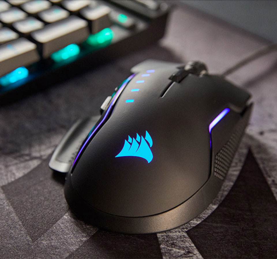 https://www.corsair.com/corsairmedia/sys_master/productcontent/glaive-rgb-gaming-mouse_unrivaled_left_bg.jpg
