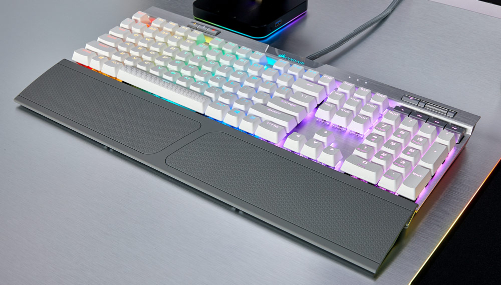 004f5f604f5 By popular demand, today also sees the launch of the K70 RGB MK.2 SE**.  Clad in a silver anodized aluminum frame and boasting stunning white ...